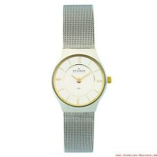 Women's Round Wristwatches with 12-Hour Dial