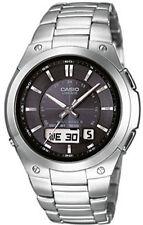Quarz - (solarbetriebene) Armbanduhren aus Edelstahl mit Chronograph