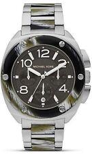 Analoge ovale Armbanduhren in Weiß