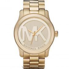 Beige analoge Armbanduhren aus Edelstahl