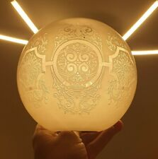 ANCIEN GLOBE DE LAMPE A PETROLE JOLIE DÉCOR GRAVÉ