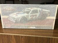 Cale Yarborough 1:24 ACTION 2015 1982 #27 VALVOLINE BUICK REGAL. NASCAR CLASSICS
