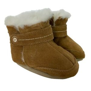 Stride Rite Boys Suede Crib Boots Booties Size 2 Hook & Loop Closure