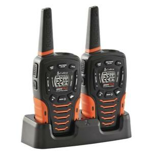 Pareja walkies COBRA AM-1035 PMR color negro flotan en agua hasta 12km IPX7