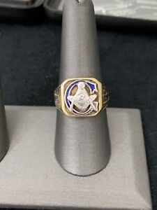 Vintage Mens Masonic Ring 10K Yellow Gold CZ Center