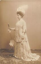 POSTCARD   ROYALTY    NETHERLANDS    Queen  Willhelmina