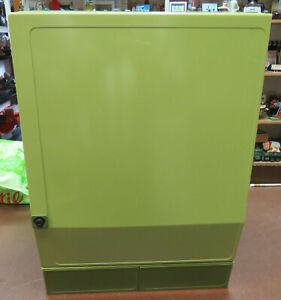 Badezimmerschrank abschließbar Grün Kunststoff 70er Jahre dunkl Innenausstattung