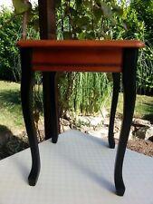 Altes Tischchen, Beistelltisch, Blumentisch, vermutlich Kirschholz