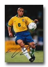 ROBERTO CARLOS HAND SIGNED 12x8 PHOTO - BRAZIL - FOOTBALL AUTOGRAPH.