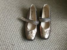 CUSHION WALK LADIES BRONZE LEATHER MARY JANES SIZE 5EEE BNWOT