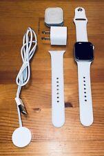 Apple Watch Series 4 40 mm GPS Celluar Silver Aluminum White Sport Band