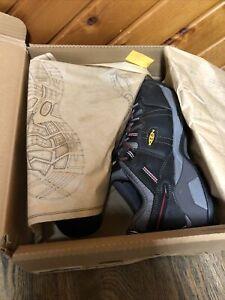 Keen Men's Detroit XT INT. MET 1021315EE Size 10.5 EE Wide Steel Grey New