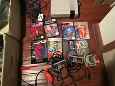 NINTENDO ENTERTAINMENT SYSTEM  CONSOLE, 2 CONTROLLERS, ZAPPER & 7 GAMES JOYSTICK