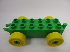 LEGO DUPLO 11248 - Car Base 2x6 Wagon Vert avec Roues Jaunes et Crochet Ouvert