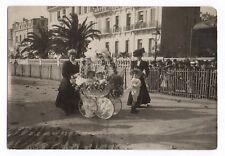 PHOTO ANCIENNE Bébé Nourrice Char à Fleurs Landau Curiosité Fête Cérémonie 1900