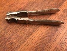 alter Nussknacker Silberfarben für gr. & kleine Nüsse beidseitig benutzbar