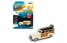 """1941 CHEVROLET DELUXE WOODY CREAM """"SURF RODS"""" 1/64 BY JOHNNY LIGHTNING JLCP7021"""