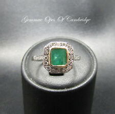 18ct White Gold Emerald and Diamond Ring Size N 2.8g