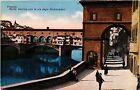 CPA FIRENZE Ponte Vecchio con la via degli Archibusieri . ITALY (492171)