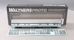 "Walthers 920-9414 HO Scale B&O 85' Budd ""Bird"" Series 16-4 Sleeper/Box"