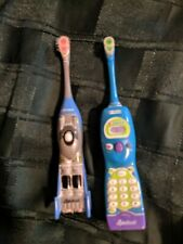 LOT OF 2 CREST SPIN BRUSH TOOTH BRUSHES CELL PHONE RACE CAR BATTERY POWER RARE