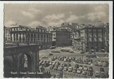VECCHIA CARTOLINA DI NAPOLI PIAZZA TRIESTE E TRENTO CON VARIE AUTO D' EPOCA 1956