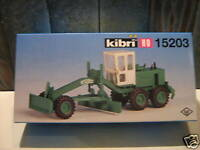 niveleuse 15203  KIBRI  pour train electrique HO 1/87