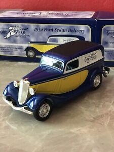 Goodyear 1934 Ford Sedan Delivery SpecCast 1:25 Die Cast Locking Bank