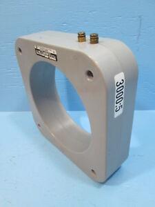 Square D 140-302 3000:5 Ratio Current Transformer 25-400 Hz CT 600V 10KV 104302