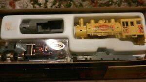 Roundhouse MDC Vintage HO Barnum & Bailey Circus 0-6-0 Steam Locomotive Kit, NIB