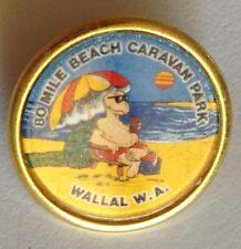 80 Mile Beach Caravan Park Wallal WA Souvenir Pin Badge Rare Vintage (G3)