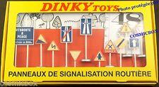 Boite de 12 PANNEAUX de signalisation routière DINKY TOYS auto route ref. 593