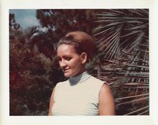 BLONDE FALL WIG & SLEEVELESS TOP - BEAUTIFUL YOUNG WOMAN 1960s VTG PHOTO 221