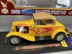 Yat Ming Road Legends 1932 Ford Roadster Street Rod 1:18 Yellow Diecast Car