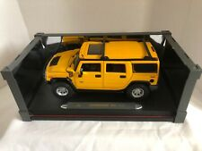 Hummer H2 SUV Maisto Yellow 1:18 Scale Die Cast Collectible Car, EUC
