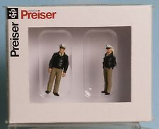 Preiser 65363, Spur 0  1:43,5 / 1:45, Polizisten stehend, grüne Uniform BRD