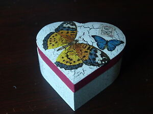 WOODEN HEART SHAPE TRINKET BOX.  BUTTERFLY