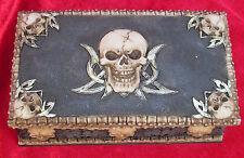 816-2034 Piratenkiste Schädeltruhe Schatztruhe Schatulle Schmuckkiste