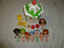 VINTAGE STRAWBERRY SHORTCAKE GARDEN GAZEBO FIGURE DOLL LOT BARBEQUE TABLE CHAIR