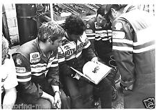 JACKY ICKX PERIOD PHOTOGRAPH LE MANS 1982 PIT CREW PORSCHE 956