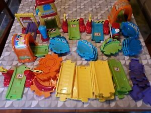 VTECH TOOT TOOT TRAIN TRACK BUNDLE WITH MOTORISED TOOT TOOT TRAIN