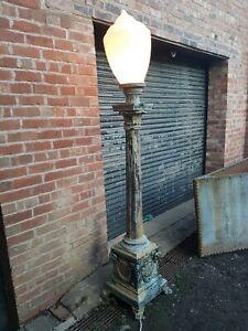STUNNING VINTAGE POLE LAMP CAST METAL GOTHIC STYLE LAMP POST RARE GARDEN LIGHT