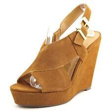 Sandali e scarpe di camoscio beige per il mare da donna