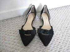 Ivanka Trump Pointed Toe Bow Flats Shoes Size 9 M