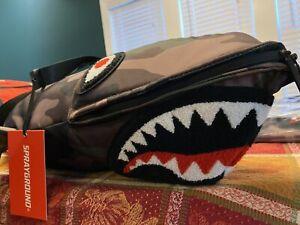 SPRAYGROUND SHARK CAMO DUFFLE BAG
