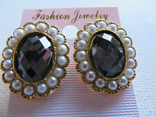 VINTAGE STYLE GOTHIC VICTORIAN DARK GREY AMBER STUD EARRINGS PEARL SURROUND new