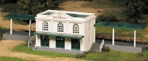 Bachmann Trains Union Station. Free Shipping