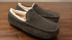 UGG ASCOT 1101110 CHARCOAL MEN'S SLIPPERS AUTHENTIC SIZE 11, WATER-RESISTANT NEW