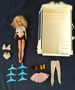 Vtg 1978 Marx Sindy Doll LOT Furniture Wardrobe Armoire Clothing Shoes Hangers