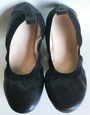 Near New H & M Size 35 Euro Australian 2 Classic Black Ballet Flats Shoes